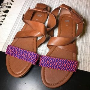 🛍 H&M Brown Faux Leather Embroidery Sandals 10